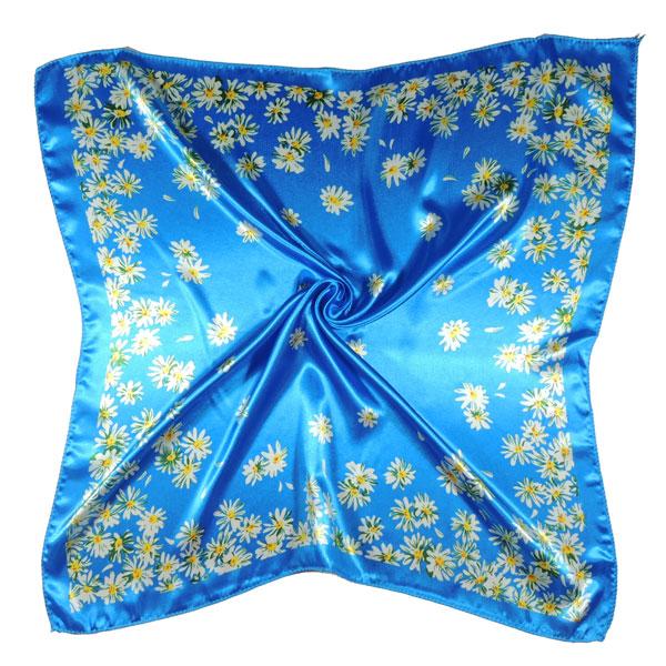 Шейный платок с ромашками